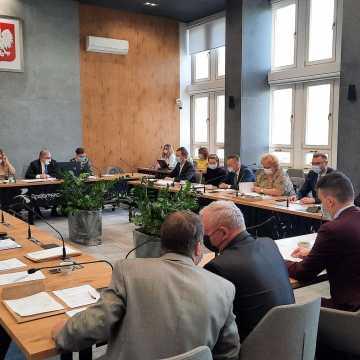 Trwa sesja Rady Miejskiej w Radomsku