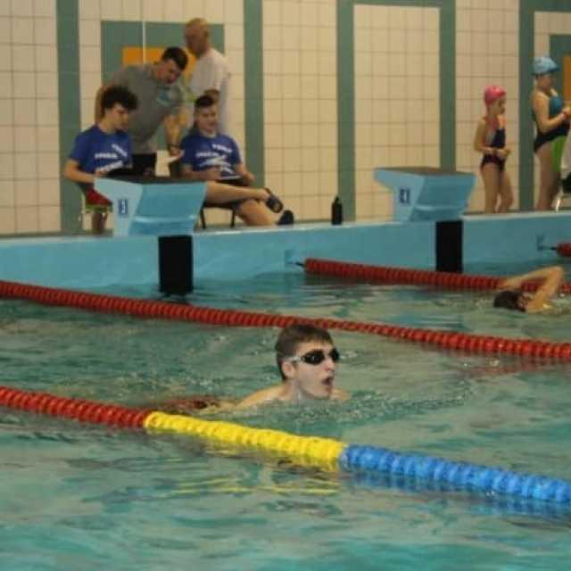 Czy stary basen w Radomsku powinien zostać przekształcony w salę sportów walki?