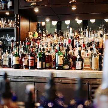 Będzie prohibicja w Radomsku? Ogłoszono konsultacje społeczne w sprawie ograniczenia sprzedaży alkoholu