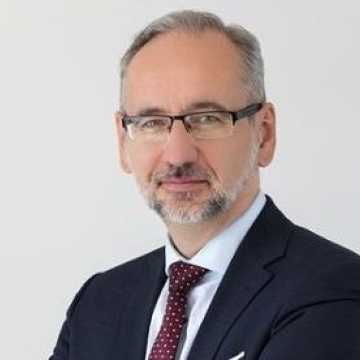 Minister Zdrowia: Mamy zagwarantowane szczepionki przeciw koronawirusowi dla wszystkich dorosłych Polaków