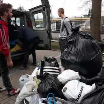 Uczniowie Mechanika przekazali dary dla bezdomnych