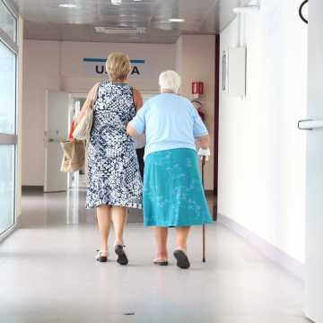 NFZ wydłużył czas na rozpoczęcie rehabilitacji pocovidowej