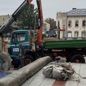 """""""Wioślarz"""" sprzed MDK w Radomsku trafił do renowacji"""