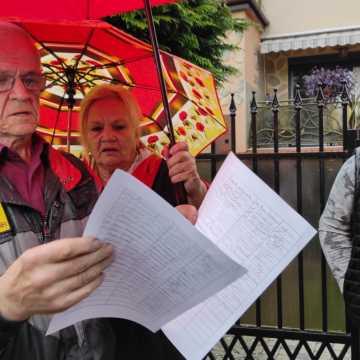 Mieszkańcy ulicy Pana Tadeusza w Radomsku nie chcą budowy bloków po sąsiedzku