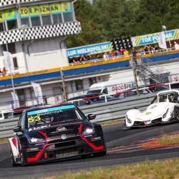 Łukasz Stolarczyk walczy o tytuł Mistrza Polski w wyścigach samochodowych
