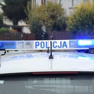 Czołowe zderzenie pojazdów w Longinówce. Trzy osoby ranne