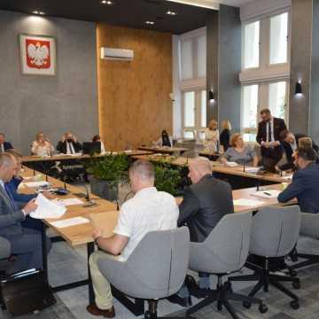 Rozpoczęła się XXXII sesja rady miejskiej w Radomsku