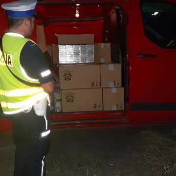 Policjanci udaremnili przewóz 12 tysięcy paczek papierosów bez polskich znaków akcyzy