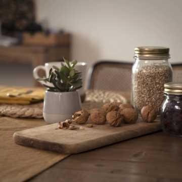 Niskokaloryczne przekąski – co jeść, by nie przytyć