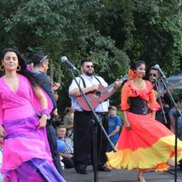 Romskie melodie na placu 3 Maja