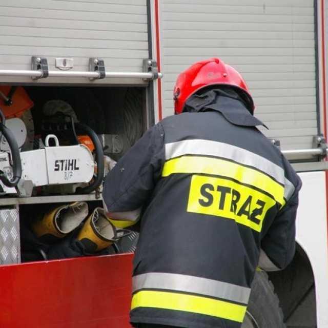 W Radziechowicach Drugich palił się dach domu