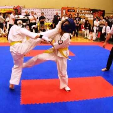 """9 pucharów dla karateków z """"Randori"""""""