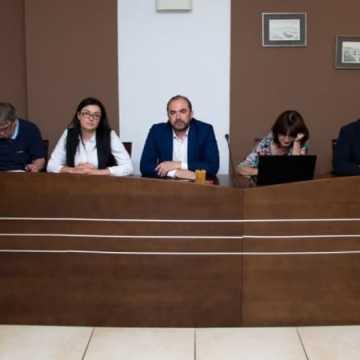 Zarząd powiatu bez absolutorium