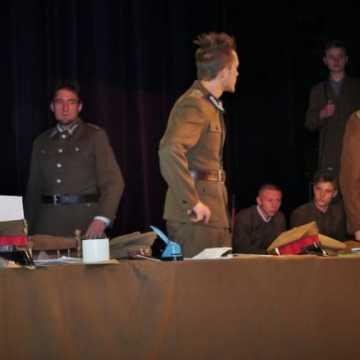 Spektakl o Warszycu i KWP