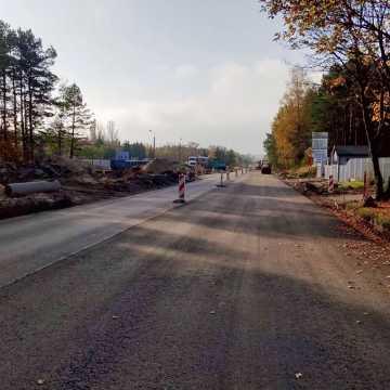 Kleszczów: kolejny etap przebudowy drogi w kierunku Kaliska