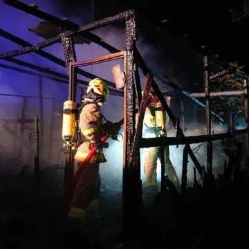 W nocy palił się nieużytkowany budynek w Brudzicach