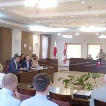 Wakacyjna sesja rady powiatu