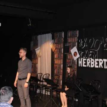 Herbert i próba opisu