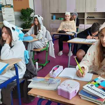 [WIDEO] Pidżamowy Dzień w Zespole Szkolno–Przedszkolnym w Gorzędowie