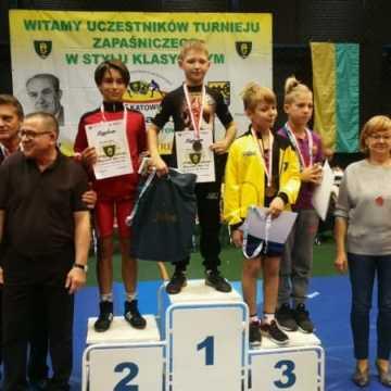 5 medali dla zapaśników ZKS Radomsko