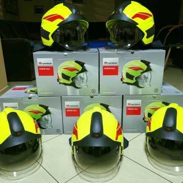 Nowe hełmy dla strażaków z Kamieńska
