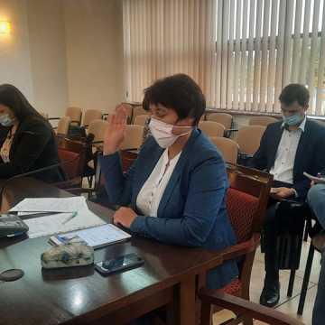 Radni w powiecie radomszczańskim uchwalili stawkę opłat za usuwanie pojazdów z dróg