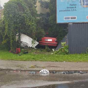 Wypadek na skrzyżowaniu ul. Poprzecznej z Sucharskiego w Radomsku. Kierowca nie ustąpił pierwszeństwa