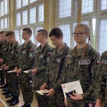 Uczniowie pierwszych klas ZSDiOŚ w Radomsku złożyli ślubowanie