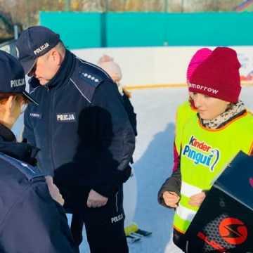 """Policja uczy w ramach akcji """"Bezpieczne ferie"""""""