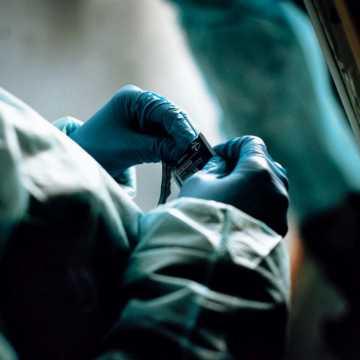 W Łódzkiem jest 737 nowych zakażeń koronawirusem, w pow. radomszczańskim - 32