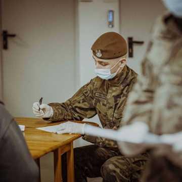 Wojsko pomaga przy zwalczaniu pandemii w szpitalu w Radomsku