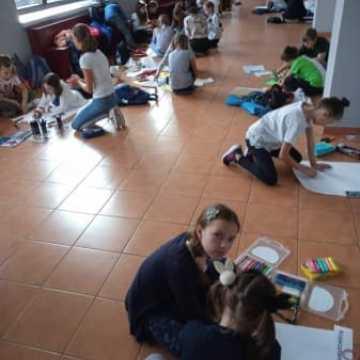 Uczniowie PSP nr 9 w Radomsku promują czytelnictwo