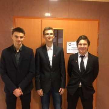 Sukces w Ogólnopolskiej Olimpiadzie Statystycznej uczniów II LO