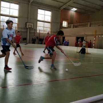 Wygrana drużyn z Gomunic i Kodręba w Unihokejowych Mistrzostwach Powiatu