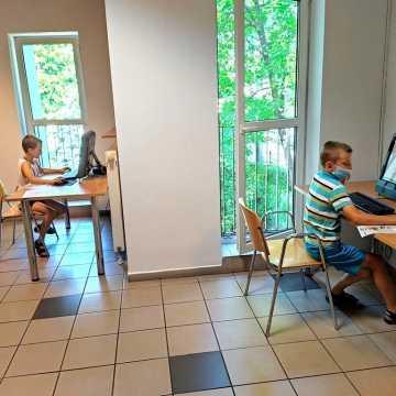 Dzieci uczą się programowania Scratch