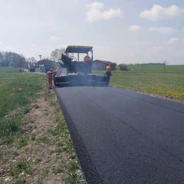 Pow. piotrkowski: kolejne przetargi na odnowę dróg