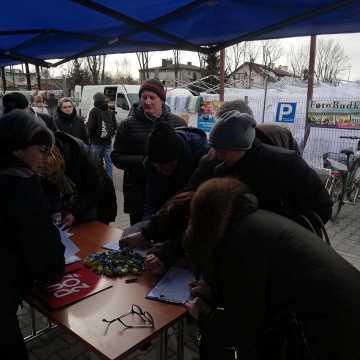Zbierają podpisy poparcia