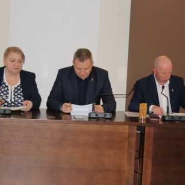 Na komisji edukacji o problemach w oświacie