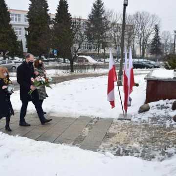"""Władze Radomska upamiętniły rocznicę śmierci """"Warszyca"""""""