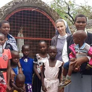 Polscy uczniowie wspierają dzieci z Tanzanii