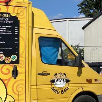 Food trucki zaparkowały przy ul. Reymonta w Radomsku