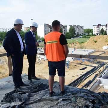Jak postępują prace przy budowie nowego basenu w Radomsku?