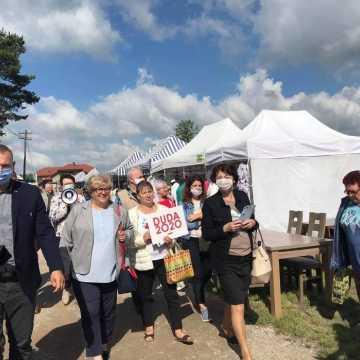 Posłowie PiS w Przedborzu zachęcali do głosowania na Andrzeja Dudę