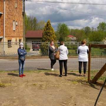 Mieszkańcy Wielgomłyn nie chcą masztu telefonii komórkowej