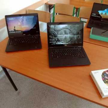 Komputery dla uczniów i nauczycieli z gminy Radomsko