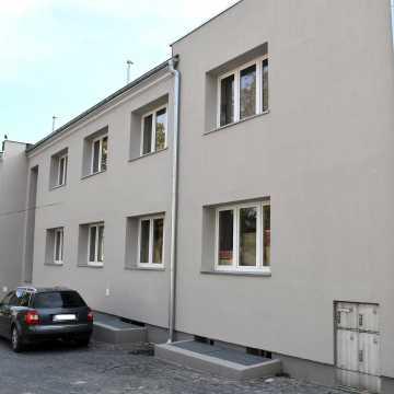 Piotrków Tryb.: Zamurowa 1 po kompleksowym remoncie