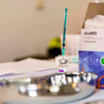 Od 4 maja,  na szczepienie mogą zapisywać się już pełnoletnie osoby, które wyraziły chęć zaszczepienia