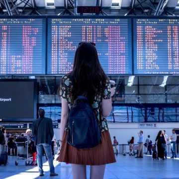 Koronawirus: jak wrócić do Polski samolotem? MSZ radzi