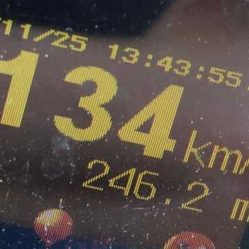 Pow. bełchatowski: w obszarze zabudowanym jechała z prędkością 134km/h