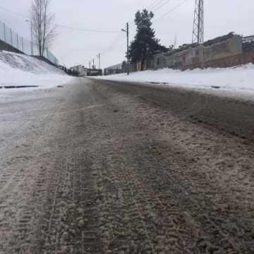 Zimowe utrzymaniu dróg powiatowych coraz droższe